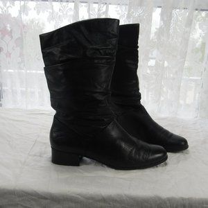 Liz Baker pull on boots Size 10 slouch Boots black